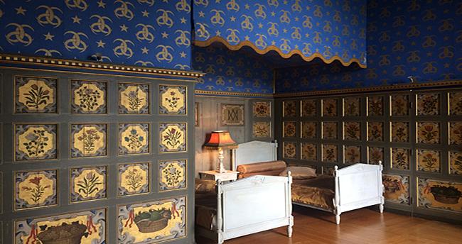 Chambre des fleurs château d'Ancy le Franc
