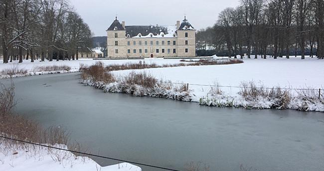Château d'Ancy le Franc parc et jardins sous la neige