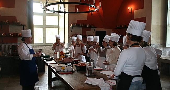 Cours de cuisine chateau d'Ancy le Franc Bourgogne