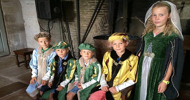 costumes pour enfants Chateau d'Ancy le Franc