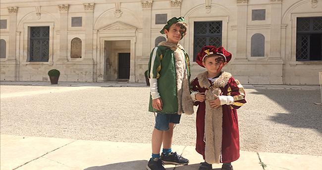 Visites pour enfants du chateau d'Ancy le Franc en costumes