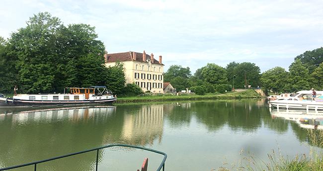 port Chateau d'Ancy le Franc