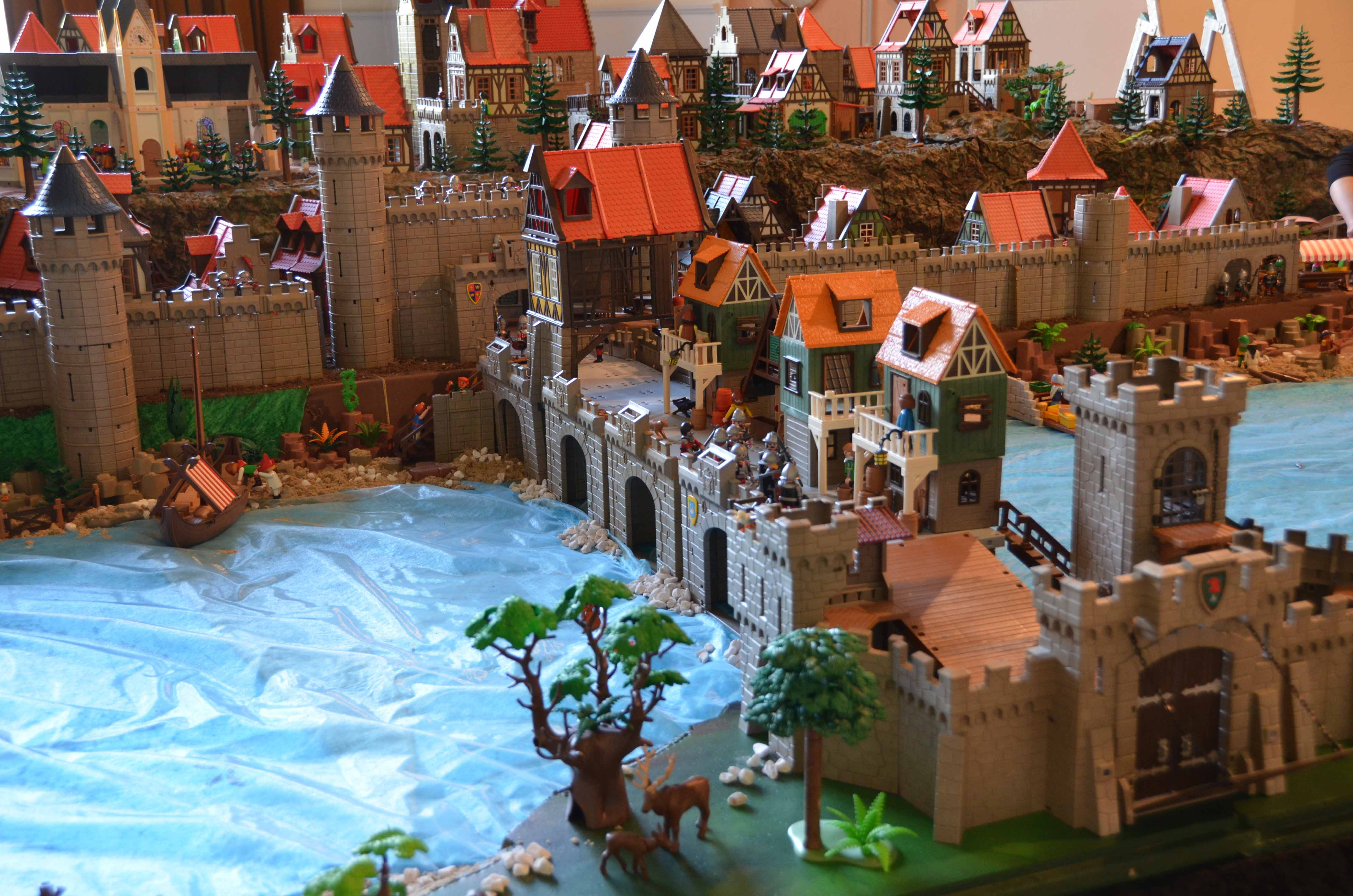 ... Exposition Playmobil Pour La Toussaint Au Chateau Du0027ancy Le Franc  Bourgogne Vacances Sortie Pour ...