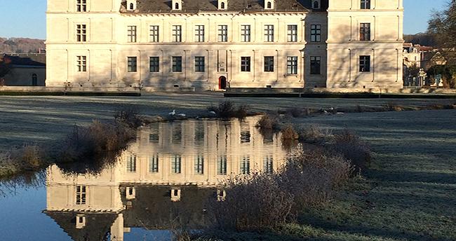 chateau d'Ancy le franc en bourgogne