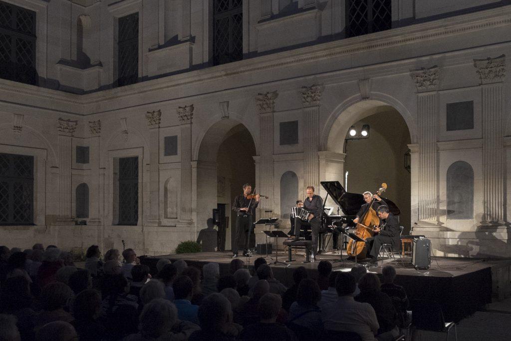 Musiancy concert au chateau d'Ancy le franc en bourgogne festival de musique
