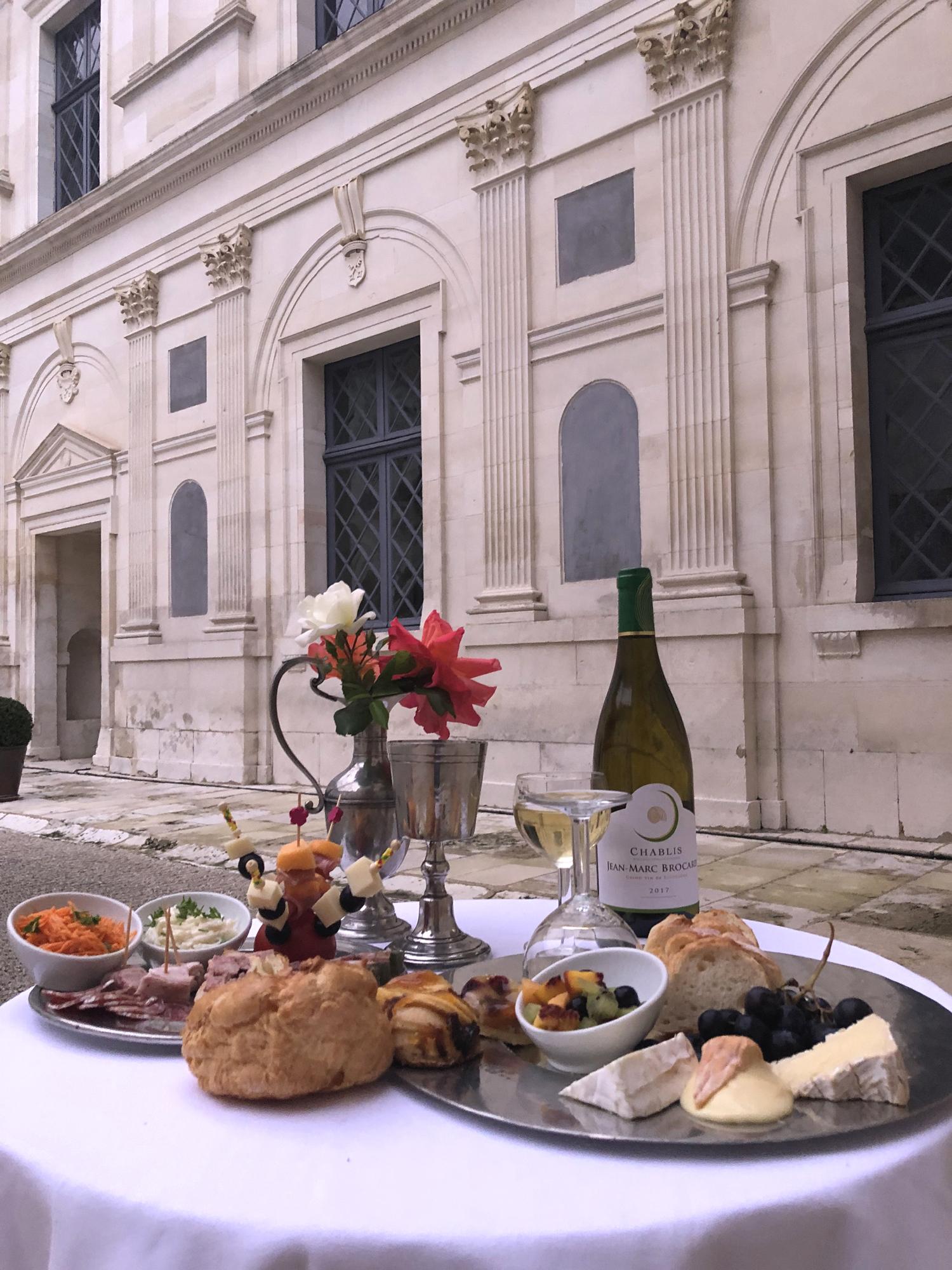 cocktail au château déjeuner produits régionaux