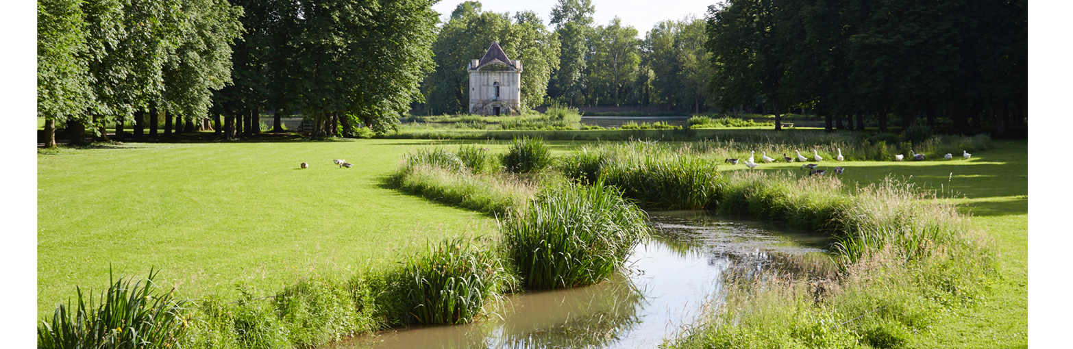 Sortie en bourgogne famille enfant château renaissance jardin visites vacances